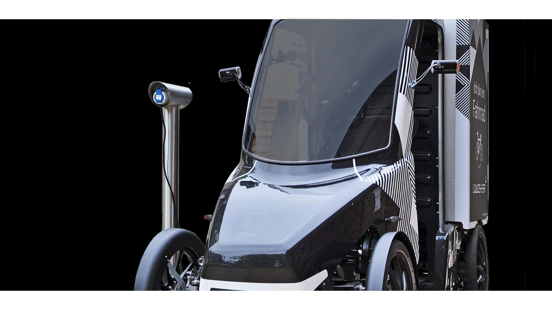 micromobiles laden von Elektorfahrzeugen